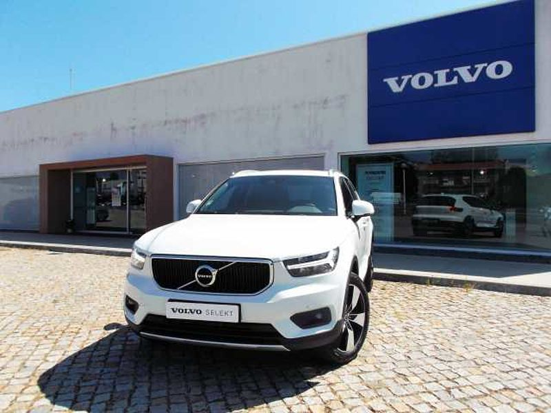 Volvo XC40 T3 163cv Momentum Plus Geartronic FWD 8 Vel.